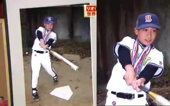 桃田賢斗 実家の部屋にある野球少年だっだ写真.png