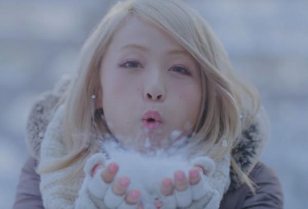 Dream AmiライトオンCM「ダウンイロイロ」篇で雪と戯れる!【CM動画&メイキング】.png