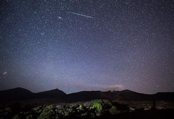 【ダイジェスト】2016年ペルセウス座流星群が極大を迎えた!火球や永続痕も30分続く.png