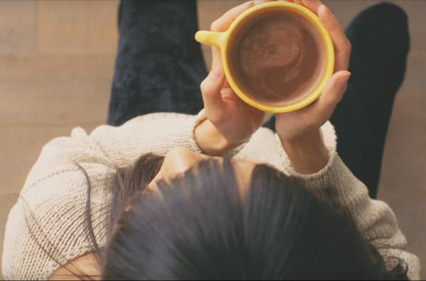 【動画】心理学者が効果を認めた!バンホーテン ココア「回るリラックス60秒動画」.png
