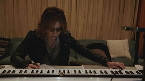 【動画】映画『WE ARE X』のサウンドトラックCDがリリース!YOSHIKI重大発表にて明かされる!.png