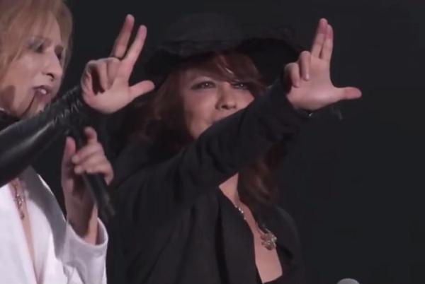 【動画】YOSHIKIとHYDE大物2人は実は仲良し「5時間も2人だけで飲む仲」.png