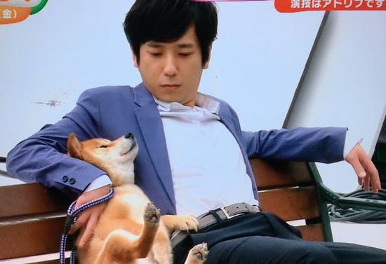 二宮和也|パズドラレーダーの新CM 「新しい遊び方」編で柴犬と共演!.png