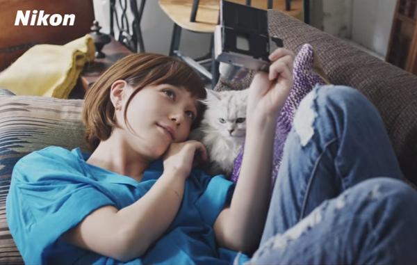 本田翼と猫が可愛い!ニコン「SnapBridge」スペシャルムービー公開!.png